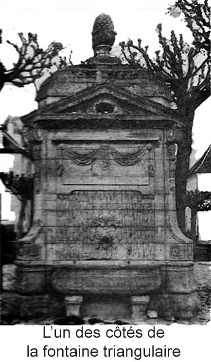 Côté de la fontaine triangulaire d'Arnouville