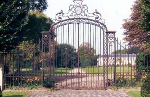 Les grilles du château d'Arnouville