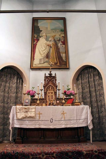 Le tableau au dessus de l'autel de l'église