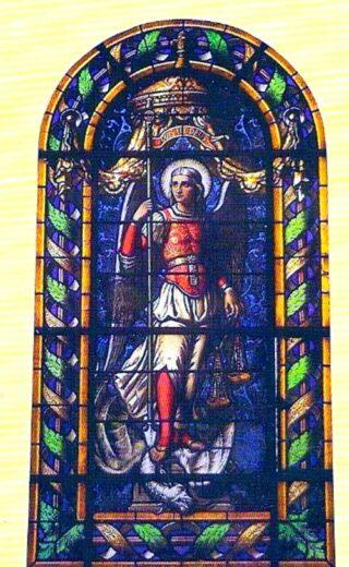 Vitrail Saint Michel de l'église Saint Denys d'Arnouville