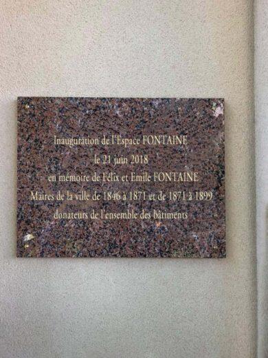 La plaque de l'Inauguration de l'Espace Fontaine à Arnouville