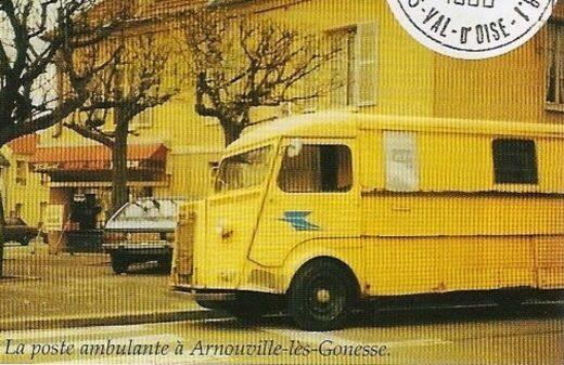 La Poste et sa camionnette à Arnouville
