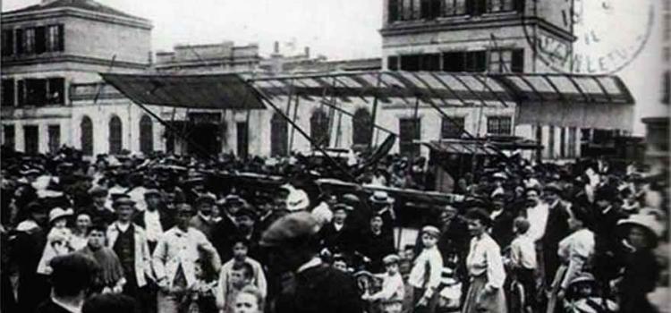 Atterrissage de Parisot à la Gare d'Arnouville en 1910