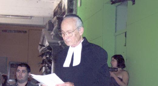 Vicaire continuant sa prêche