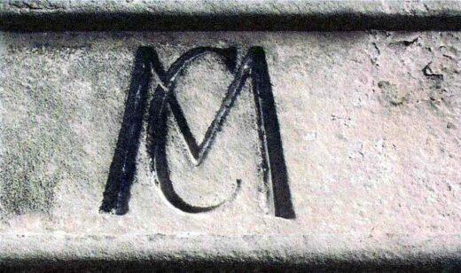 CM pour Comte de Machault sur la chapelle