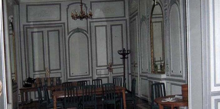 La salle à manger dans le château d'Arnouville