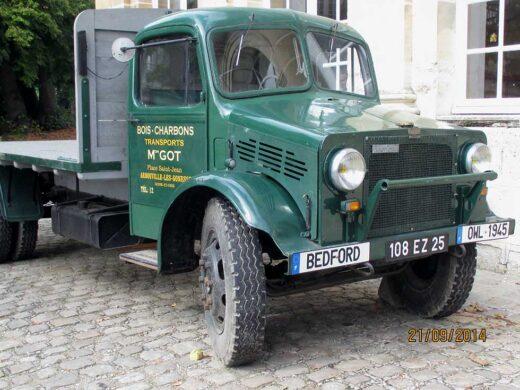 Un camion de livraison bois - charbons de M.Got