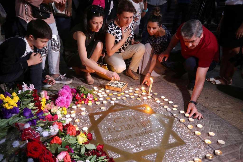 Le square Charles Aznavour à Erevan, en Arménie 03